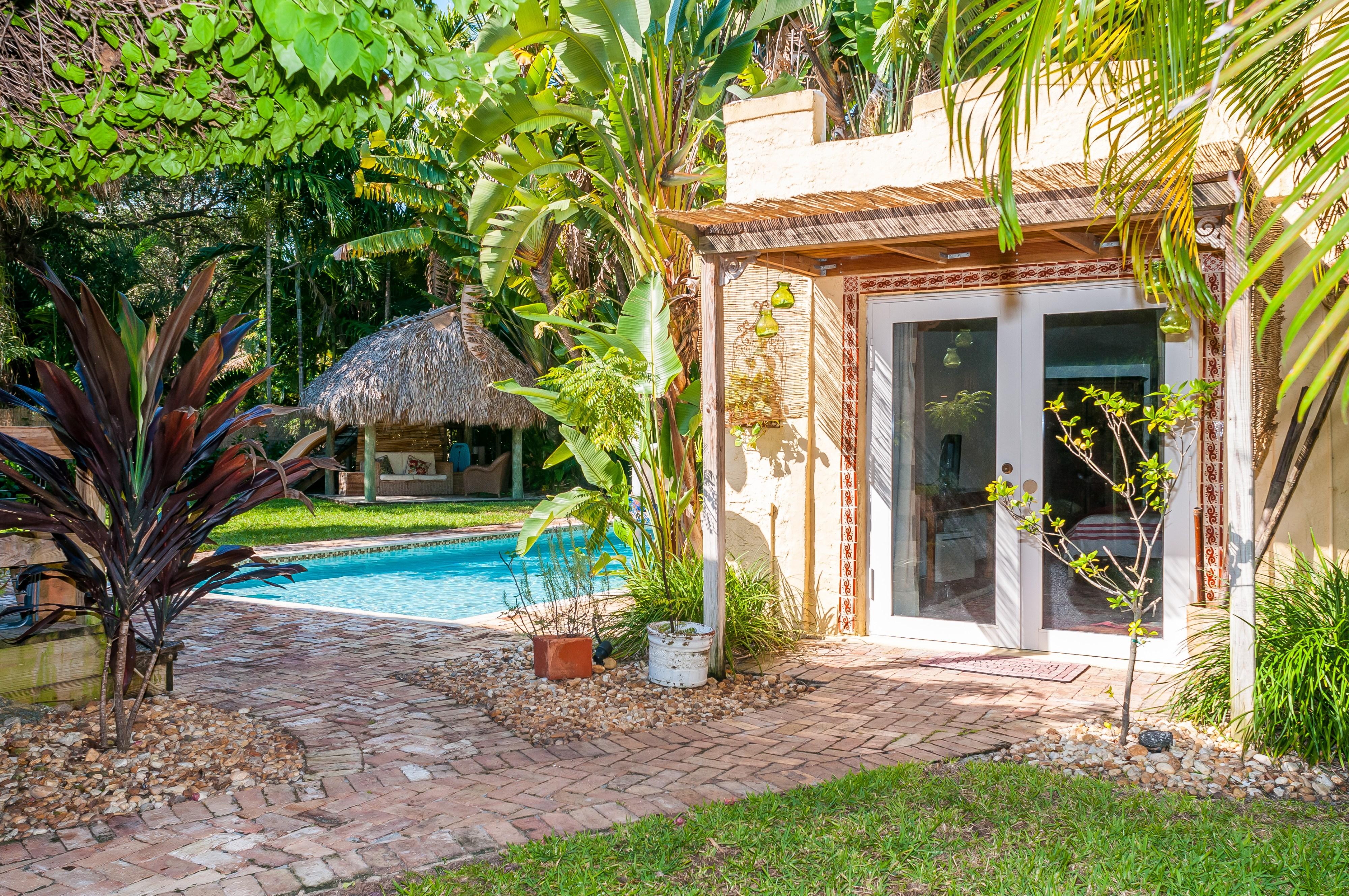 Poolside Listing – Cozy and charming cottage, Biscayne Park, FL 1