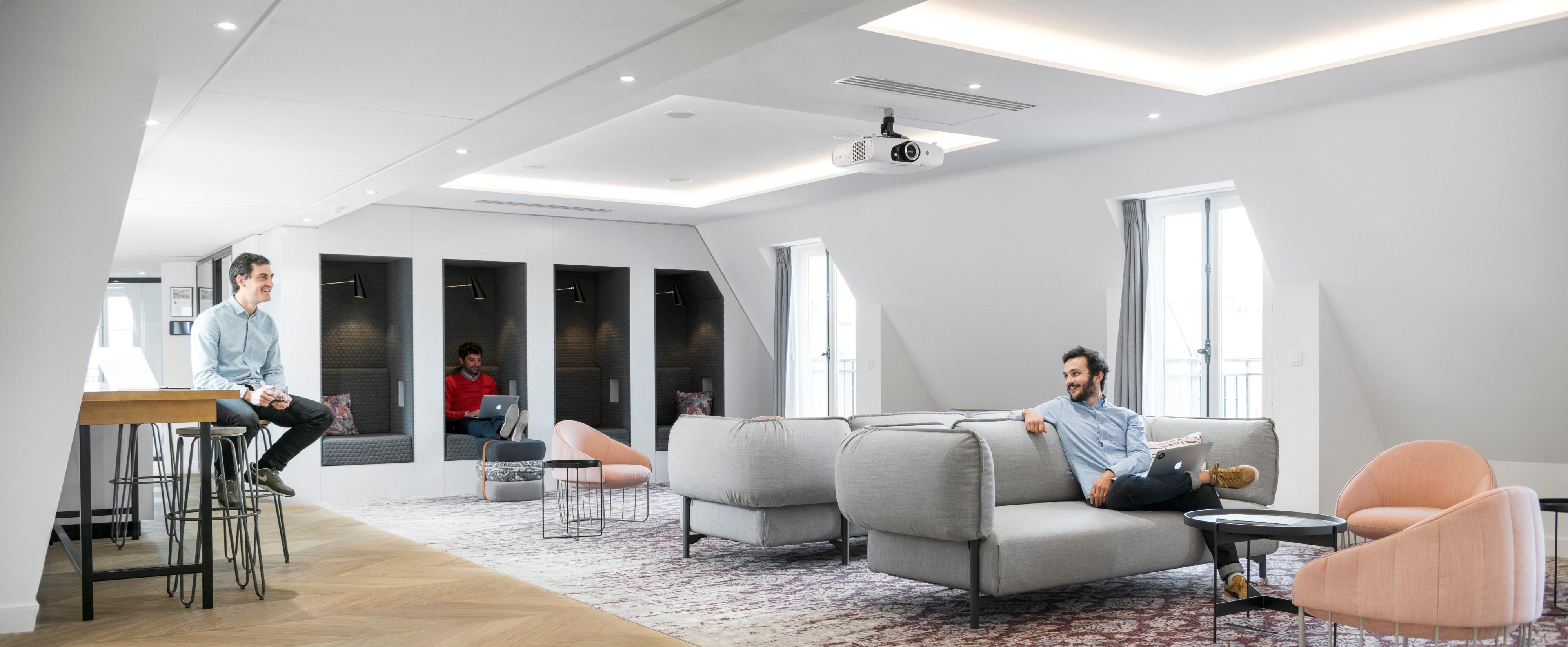 Airbnb lance le Nid, un espace dédié au voyage au sein de ses nouveaux bureaux parisiens