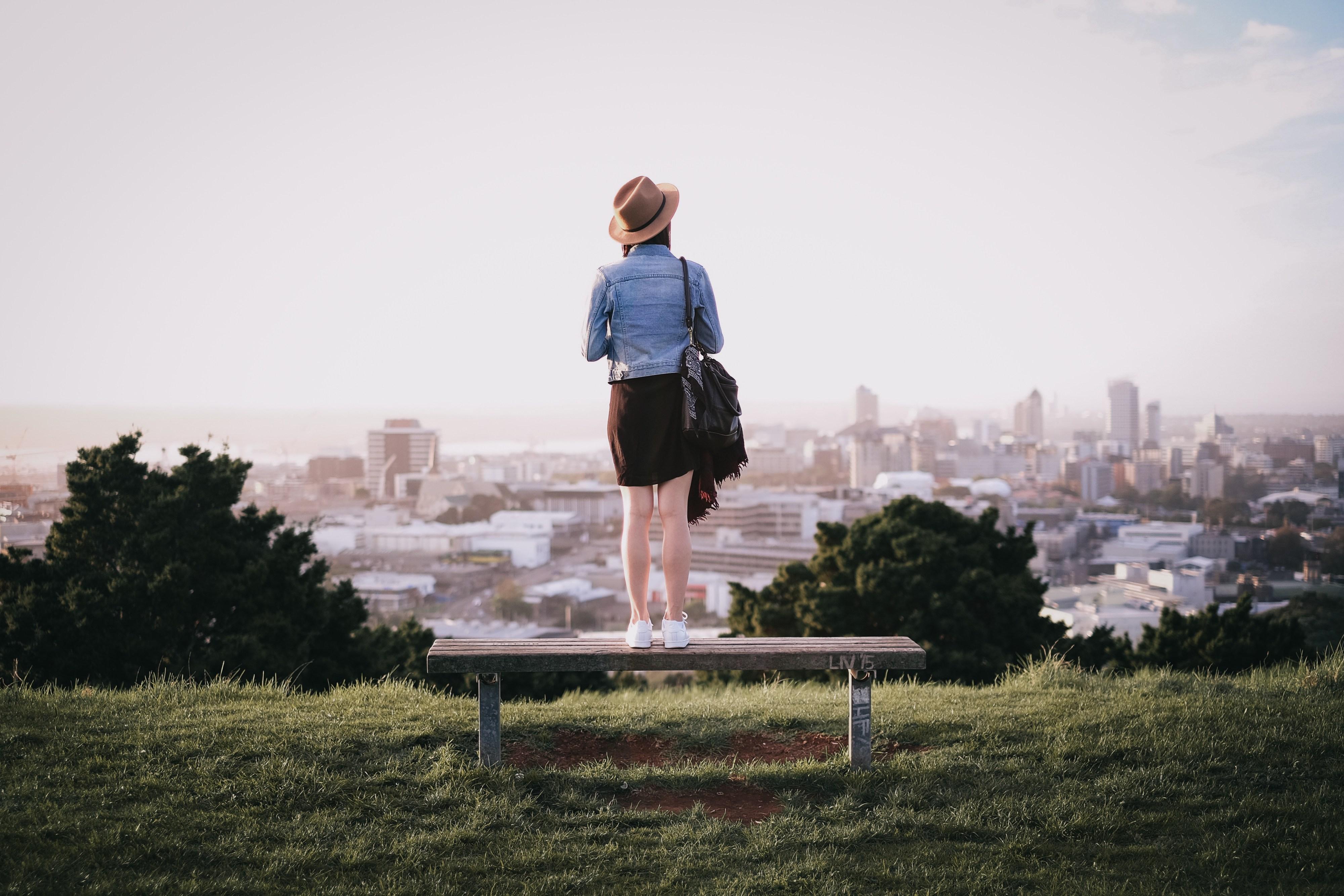 Volando Solo: Destinos populares y experiencias para viajeros solos