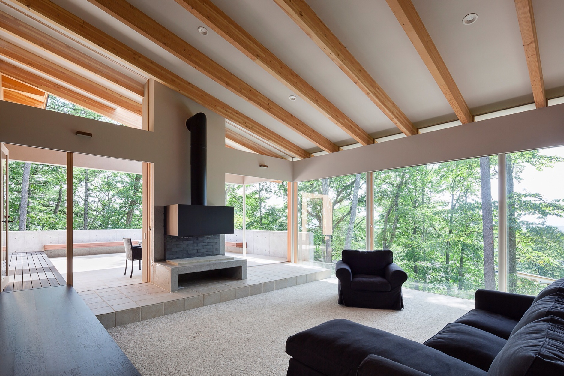 Japan Listing – Contemporary House with View 3