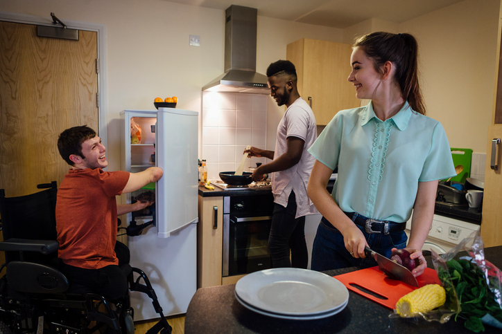 Airbnb s'engage avec Handicap International pour développer l'offre de logements accessibles aux voyageurs en situation de handicap